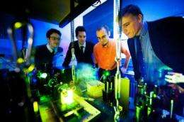 Bonn physicists create a 'super-photon'