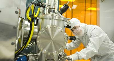 Engineers Demo Smallest Room Temperature Laser