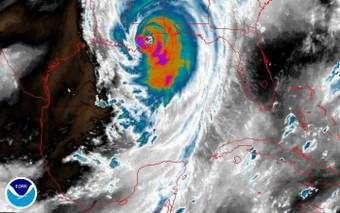 Hurricane Katrina: Scientists Fly Into Eye of the Storm