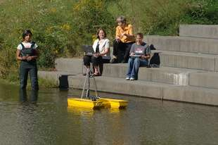Robotic Boat Geared to Simplify Life for Scientists