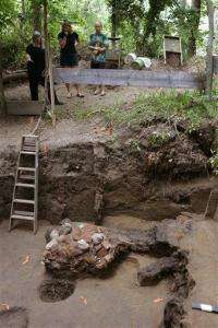 Archaeologists Find 18th-Century Store (AP)