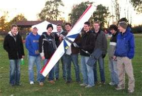 Students set record fuel-cell-powered, radio-controlled airplane flight