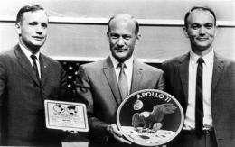 Apollo 11 crew: Aldrin likes spotlight, 2 shun it (AP)