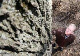 Danger lurks underground for oak seedlings