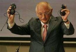 EU, phone makers agree on charging standard (AP)