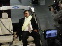 Ford to put air bags into back seat belts of SUV (w/ Video)