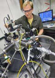 Gold solution for enhancing nanocrystal electrical conductance