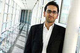 Prof Warns of Risks  on Social Network Sites