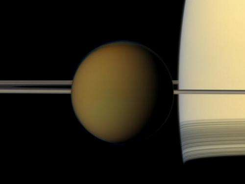Cassini delivers holiday treats from Saturn