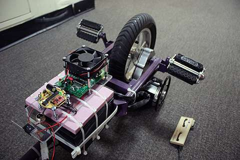 MIT student builds very cool partly self-balancing electric unicycle