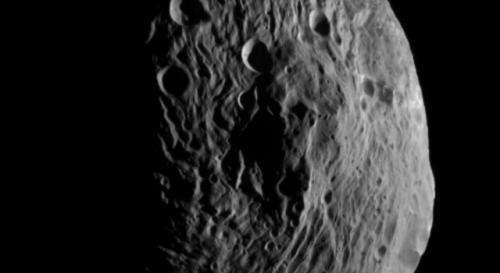 NASA's Dawn spacecraft beams back new photo