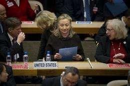 Clinton warns of bioweapon threat from gene tech (AP)