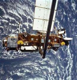NASA: 6-ton satellite hits Earth; location unknown (AP)