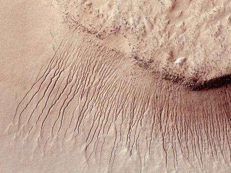 Prolific NASA orbiter reaches five-Year mark