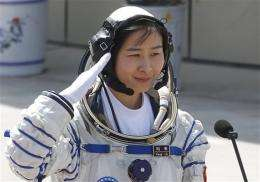 Chinese spacecraft en route to orbiting module