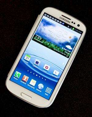 Review: Galaxy strong contender to iPhone