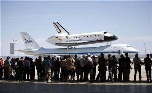 Shuttle to sightsee around California