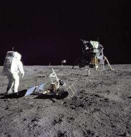 X-rays illuminate the interior of the Moon