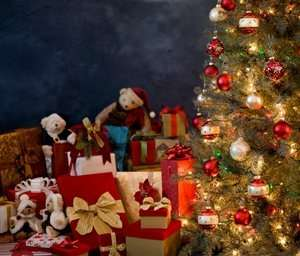 Christmas gifts for children inspired by ancient Greeks