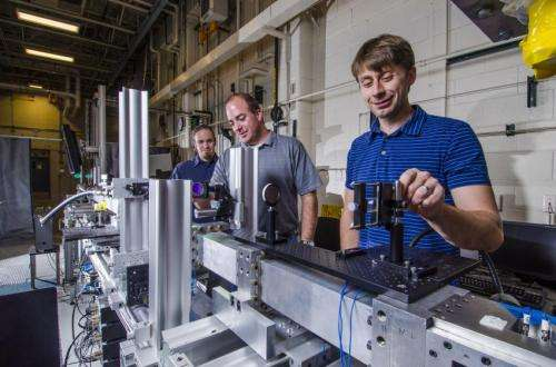 Researchers use shock tube for insight into physics early in blasts