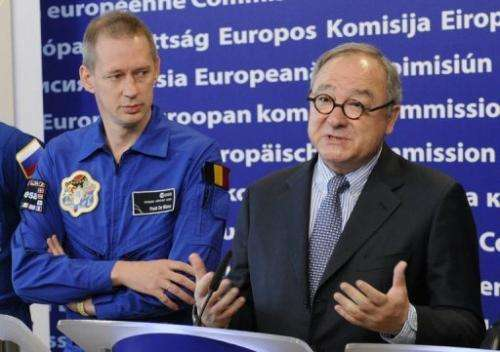 Director General of the European Space Agency (ESA) Jean-Jacques Dordain (R) in 2010