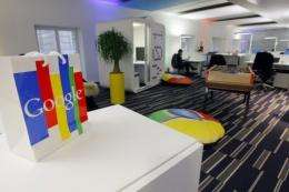 Google develops Internet-tinted glasses