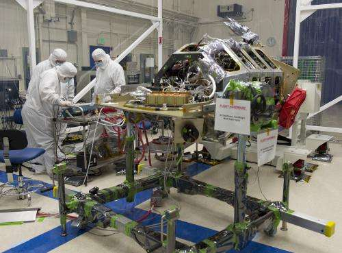 NASA's LADEE Spacecraft Gets Final Science Instrument Installed