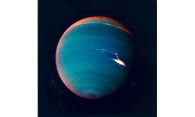 Neptune on tiptoes