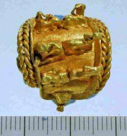 Unique gold earring found in intriguing collection of ancient jewelry in Israel
