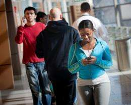 Walking and texting at the same time? Study says think again