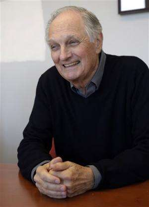 Alan Alda's science contest asks: What is color?