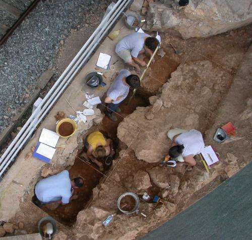 New evidence suggests Neanderthals organized their living spaces