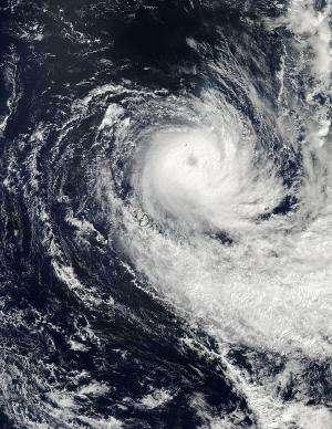 Cyclone Imelda's eye opens and closes for NASA's Aqua satellite