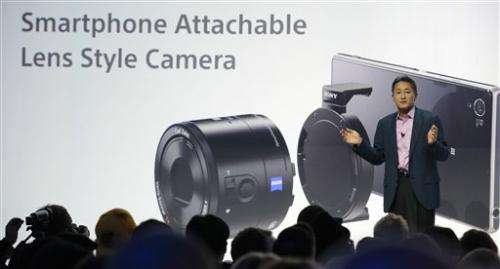 Sony launches camera phone with add-on lenses