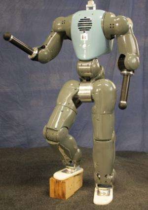 Researchers build first fully limbed passive compliant robot (w/ video)