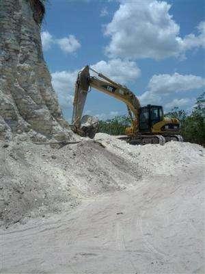 Builders bulldoze big Mayan pyramid in Belize