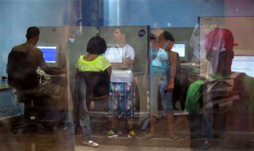 Cuba to offer public Internet at salons islandwide