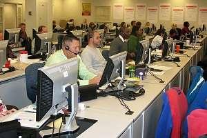 Different desks offset idle worker behaviour