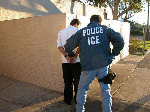 Federal 'detainer requests' for suspected immigration violators cause longer jail stays, increase cost, UW research shows