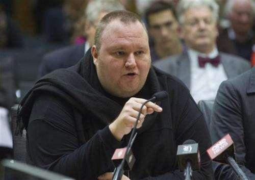 Kim Dotcom debates New Zealand leader over spying