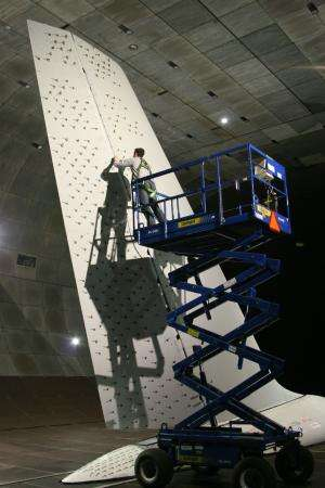 NASA, Boeing finish tests of 757 vertical tail with advanced technology