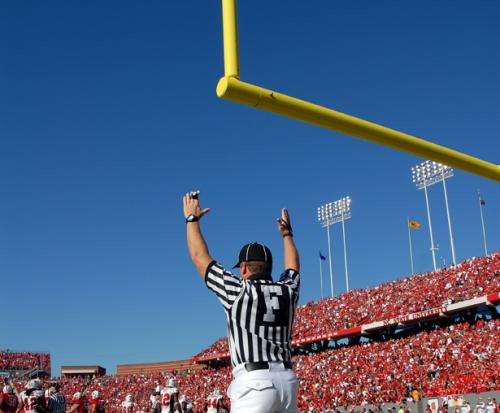 Wide left: Study shows that holders play key role in field goal accuracy