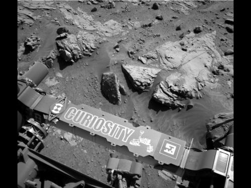 Image: Curiosity Mars rover beside sandstone target 'Windjana'
