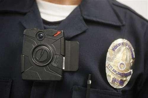 LA mayor plans 7,000 police body cameras in 2015