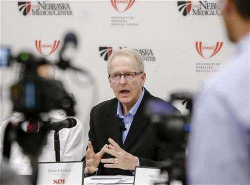 Nebraska doctors say Ebola patient making progress