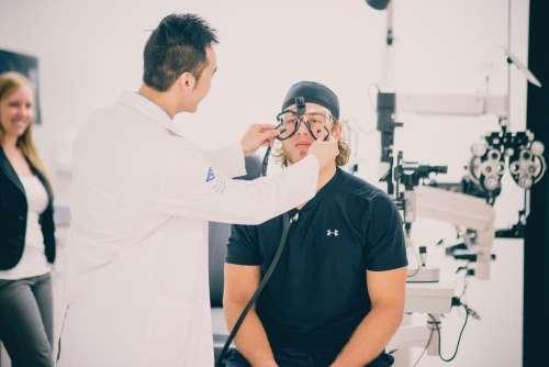 Optometrist helps get athletes' eyes in shape