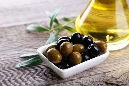 Regular consumption of olive oil can improve heart health