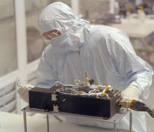 Rosetta-Alice spectrograph obtains first far ultraviolet spectra of a cometary surface