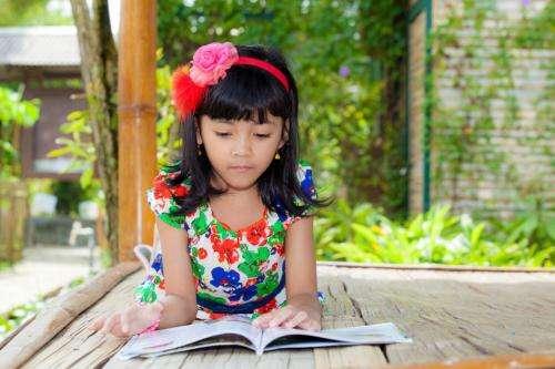 Should parents raise kids bilingually?