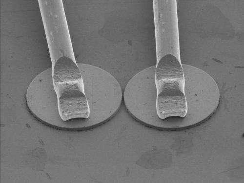 Strange physics turns off laser